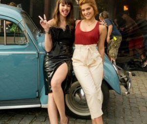 """Agatha Moreira e Isabella Santoni posam juntas nos bastidores do filme """"Missão Cupido"""""""