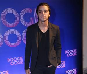 """Rodrigo Simas foi um dos mais animados na festa de """"Boogie Oogie"""""""