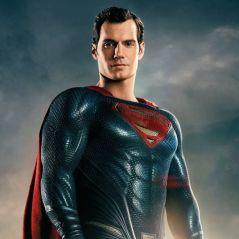 """De """"Liga da Justiça"""": Superman com uniforme preto? Diretor explica exclusão de cenas"""