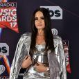 E esse look prateado da Demi Lovato? Aprovado?