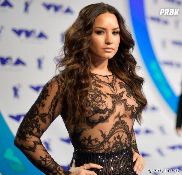 Veja os 10 looks mais lindos da Demi Lovato em tapetes vermelhos!