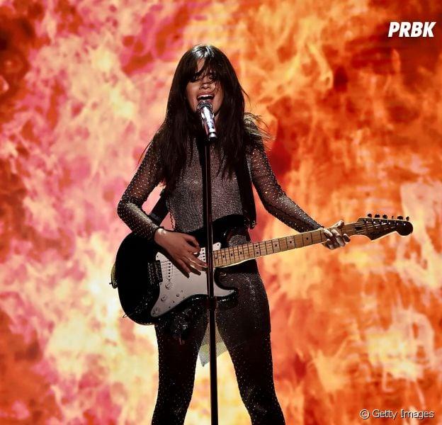 """Camila Cabello cantando """"Never Be The Same"""" no programa do Jimmy Fallon é tudo o que os fãs do pop precisavam!"""