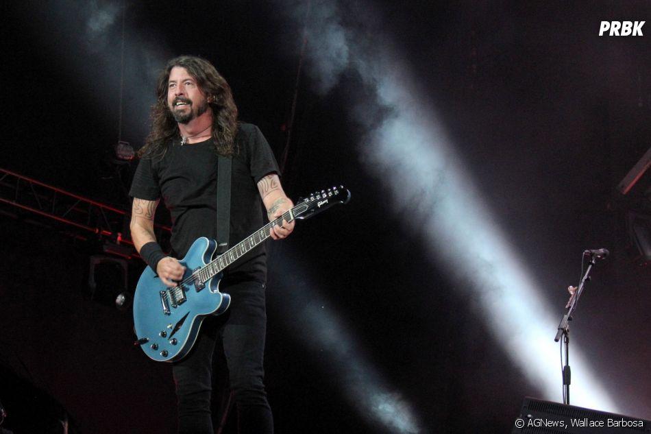 Foo Fighters cantaram seus maiores clássicos e alguns covers de bandas de sucesso