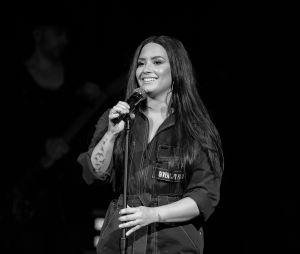 Demi Lovato publicou explicação sobre adiamento da turnê no Instagram
