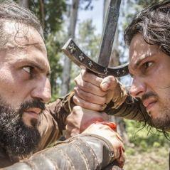 """Novela """"Deus Salve o Rei"""": Afonso (Romulo Estrela) derrota Constantino em batalha!"""