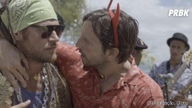 """Em """"Segundo Sol"""", Remy (Vladimir Brichta) convence Beto (Emilio Dantas) de fingir morte para ganhar dinheiro"""