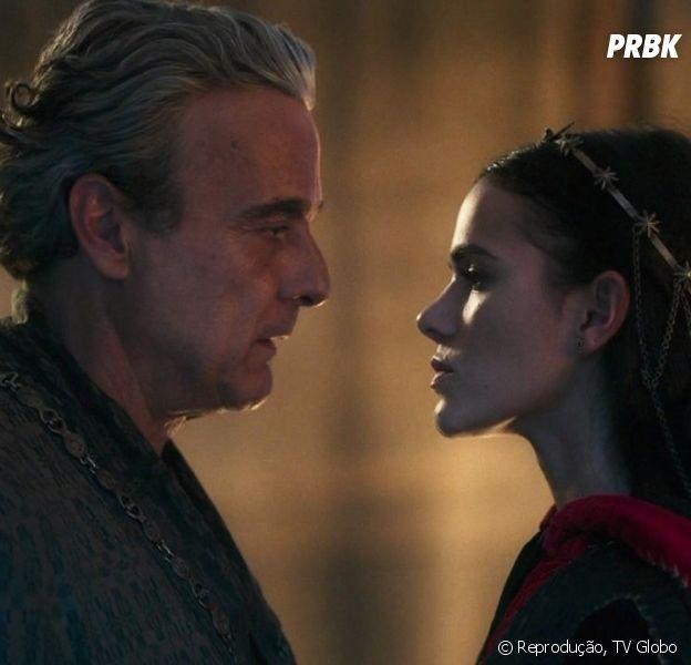 """Em """"Deus Salve o Rei"""", Otávio (Alexandre Borges) estupra Catarina (Bruna Marquezine) como punição"""