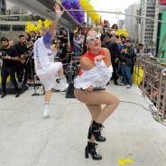 Anitta, Ana Clara e mais famosos curtem Parada do Orgulho LGBT! Veja fotos
