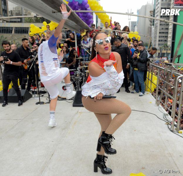 A cantora Anitta animou a 22ª Parada do Orgulho LGBT