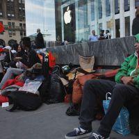 iPhone 6 nem foi anunciado e fãs já fazem fila em frente à loja da Apple