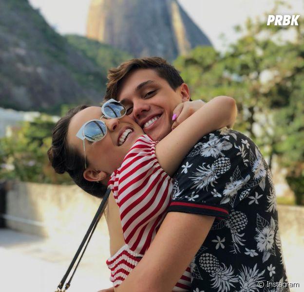 Larissa Manoela e Leo Cidade gravam cover romântico juntos
