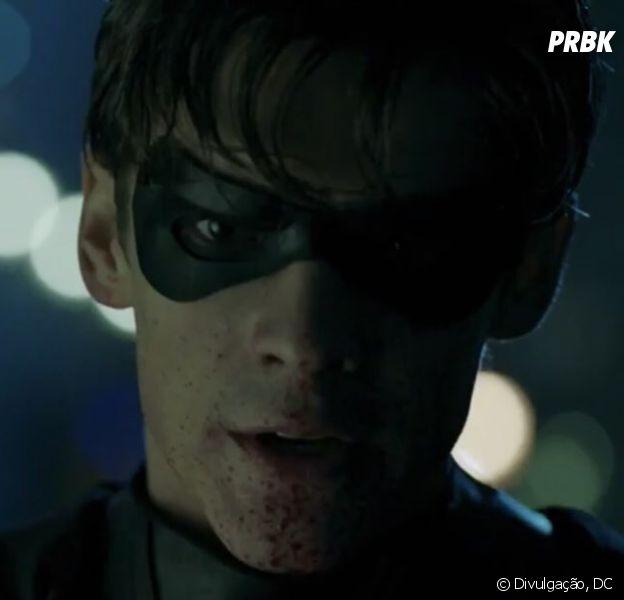 """Robin (Brenton Thwaites) é destaque no trailer da série""""Titans"""""""