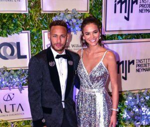 Bruna Marquezine revela que não tem planos de casar com Neymar por enquanto