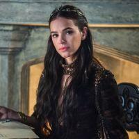 """Final """"Deus Salve o Rei"""": Catarina morre enforcada após ser mãe de uma menina"""