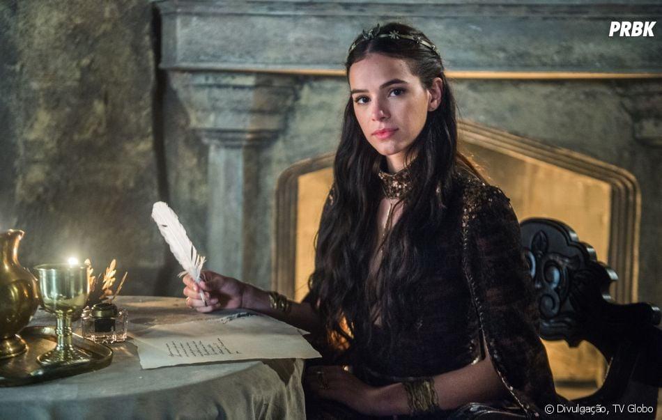"""Final """"Deus Salve o Rei"""": Catarina (Bruna Marquezine) é sentenciada a morte na forca"""
