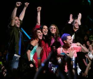 "Alfonso Herrera canta ""Sálvame"", do RBD!"