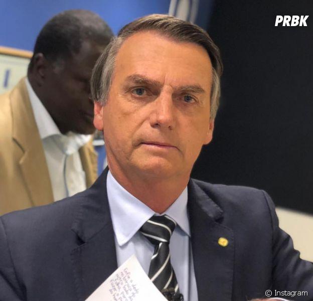Jair Bolsonaro leva facada e levanta discussão no Twitter!