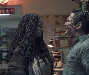 "Em ""Fear The Walking Dead"", vilã misteriosa sabe sobrea vida de todo mundo!"