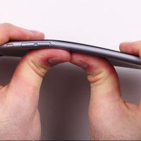 Compradores do iPhone 6 estão reclamando que o aparelho entorta no bolso!