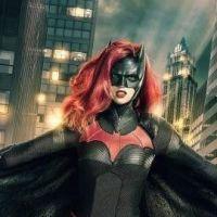 """Primeira foto da Batwoman - que aparecerá em """"Arrow"""" e """"The Flash"""" - finalmente é divulgada"""