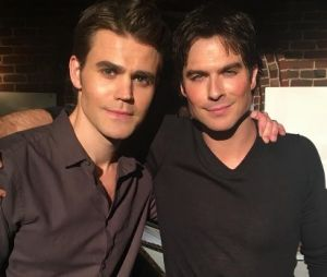 "Ian Somerhalder e Paul Wesley relembram ""The Vampire Diaries"" e protagonizam momento fofo"