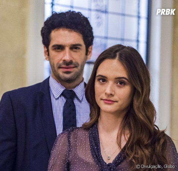 """Em """"O Tempo Não Para"""", Marocas (Juliana Paiva) e Emílio (João Baldasserini) têm casamento interrompido por Dom Sabino (Edson Celulari)"""