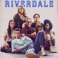 """O novo vídeo de """"Riverdale"""" mostra nossos queridinhos cantando um hit bem clássico!"""