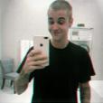 Justin Bieber é fotografado três vezes na mesma semana saindo de um estúdio de gravação
