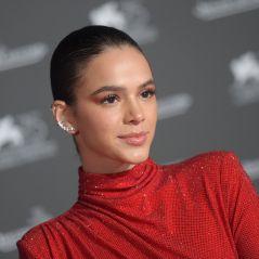 Bruna Marquezine se irrita com comentário ofensivo de internauta sobre sua vida amorosa