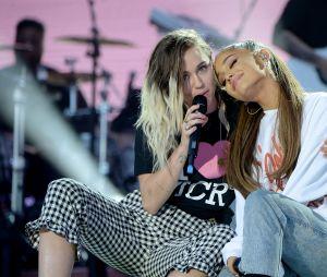 """Miley Cyrus canta """"No Tears Left To Cry"""" de Ariana Grande"""