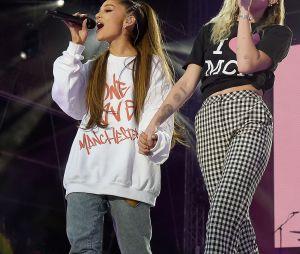Miley Cyrus e Ariana Grande estão mais próximas a cada dia