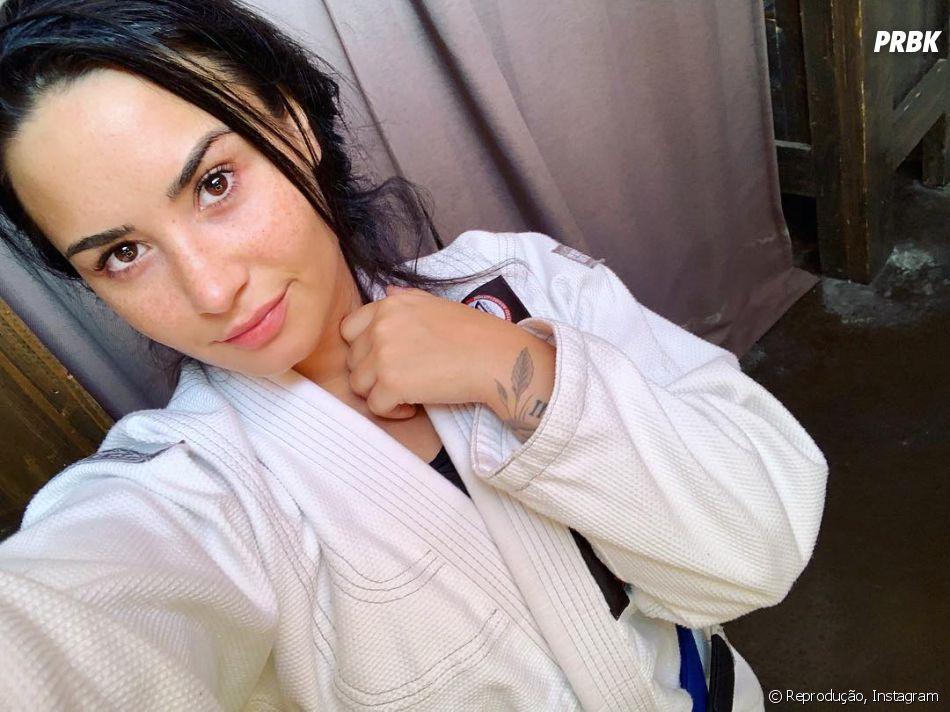 Demi Lovato disse que qualquer novidade conta para os fãs, mas voltou a preocupar a família
