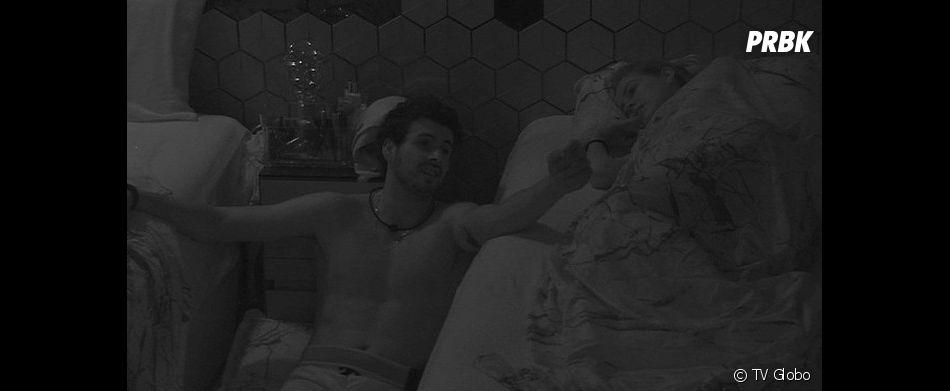 "No ""BBB19"": Maycon tenta a sorte com Isabella, mas termina a noite segurando braço de Elana"