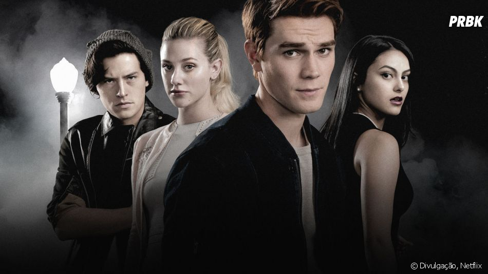 """Hiram (Mark Consuelos) toma um tiro no novo episódio de """"Riverdale""""!"""