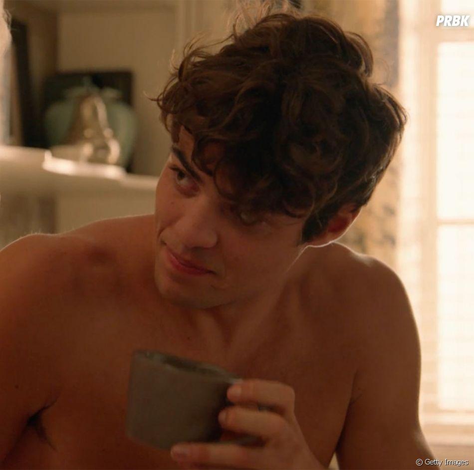 "Noah Centineo, de ""Para Todos os Garotos que Já Amei"", aparece sensualizando em propaganda da Calvin Klein"