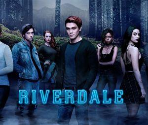 """Em """"Riverdale"""": Archie (KJ Apa) e Jughead (Cole Sprouse) tentam acabar com o tráfico na cidade"""