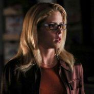 """Não teremos Felicity nessa reta final de """"Arrow"""" e está todo mundo comovido com isso"""
