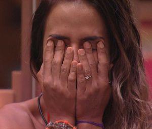 """""""BBB19"""": Carol chora após Hariany ser expulsa do programa"""