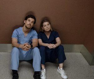 """O relacionamento de Meredith (Ellen Pompeo) e DeLuca (Giacomo Gianniotti) vai ficar bem mais sério em """"Grey's Anatomy"""""""