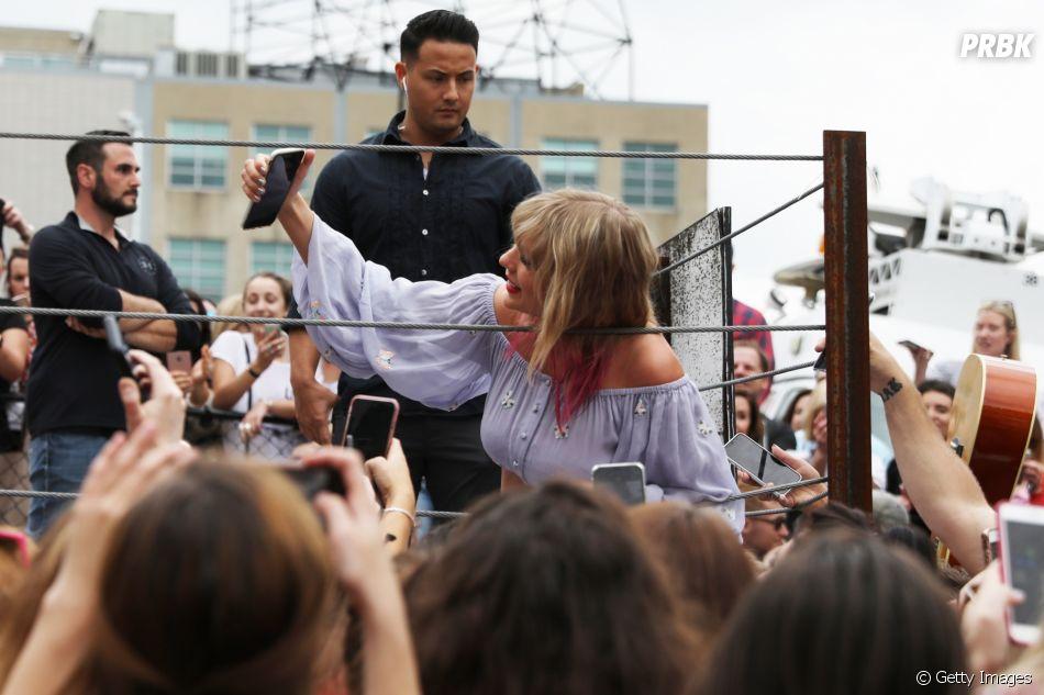 Taylor Swift está divulgando música nova em Nashville, nos Estados Unidos, nesta quinta-feira (25)