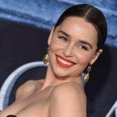 """Emilia Clarke, a Daenerys de """"Game of Thrones"""", desabafa sobre recuperação pós aneurismas"""