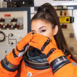 E a Ariana Grande, que foi visitar a NASA depois do seu show no Texas?