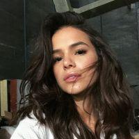 Bruna Marquezine falou o que é essencial para se sentir bem na hora da sedução