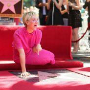 """Kaley Cuoco, de """"The Big Bang Theory"""", ganha sua estrela na Calçada da Fama"""