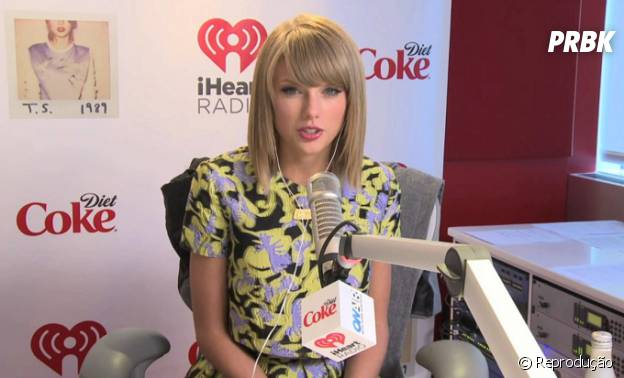 Taylor Swift participa do programa de Ryan Seacrest e lança indireta sobre Harry Styles