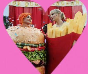 """Taylor Swift também acabou com a briga com Katy Perry em """"You Need To Calm Down"""""""