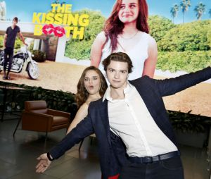 "O filme ""A Barraca do Beijo"" trouxe de presente um amigão na vida de Joey King: Joel Courtney"