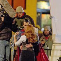 """Filme """"Batman v Superman"""": Novas imagens mostram Superman carregando Lois Lane"""
