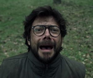 "Em ""La Casa de Papel"", o Professor (Álvaro Morte) se desesperou ao achar que Lisboa (Itziar Ituño) estava morta"