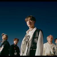 """O Stray Kids acaba de provar que é um ícone de grupo com o MV de comeback """"Double Knot"""""""